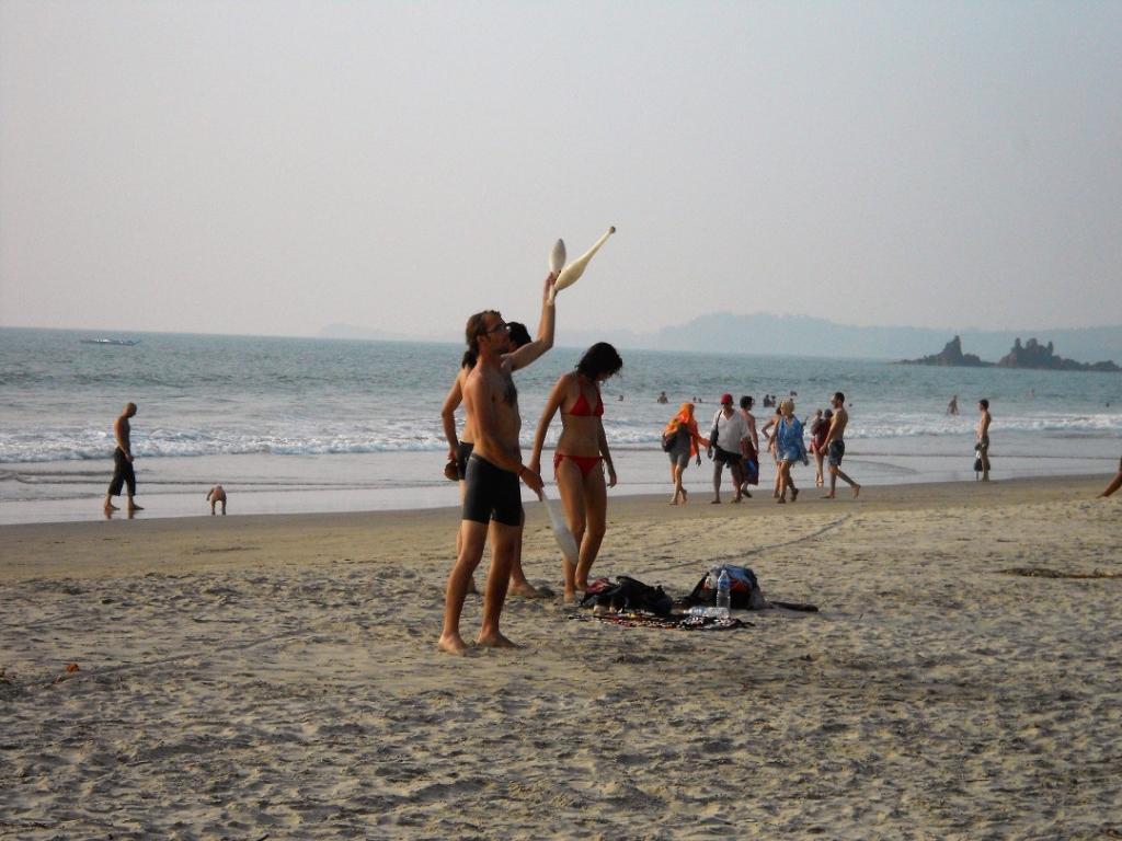 Arambol beach party - Backpacking Bella