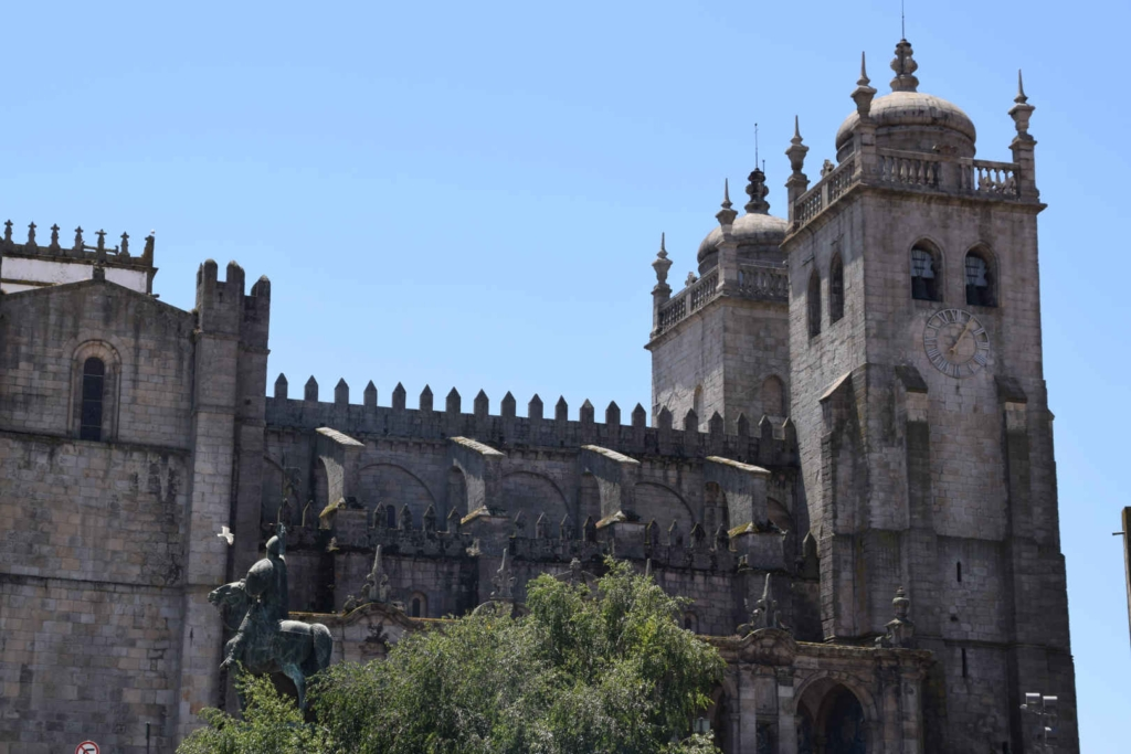 backpacking portugal travel itinerary